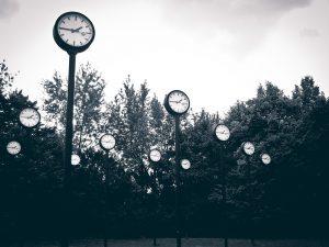 de klok tikt voor leiderschap in traumatijd